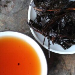 daye menghai 2002 thé pu-erh grandes feuilles