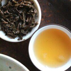 infusion de tuocha thé pu-erh sheng de la fabrique Xiaguan