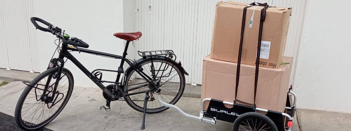 vélo déménagement cartons