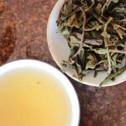 Infusion du thé vert Vietnam fumé